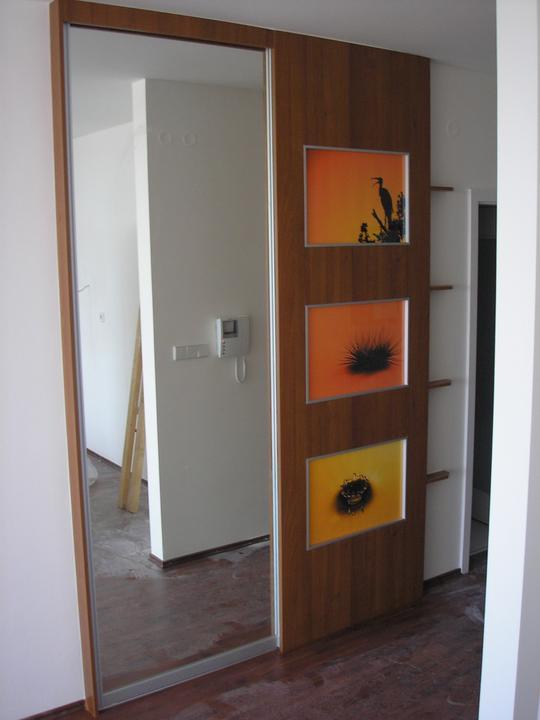 Moja práca- nábytok na mieru - vstavana skrina aj so zabudovanymi fotografiami