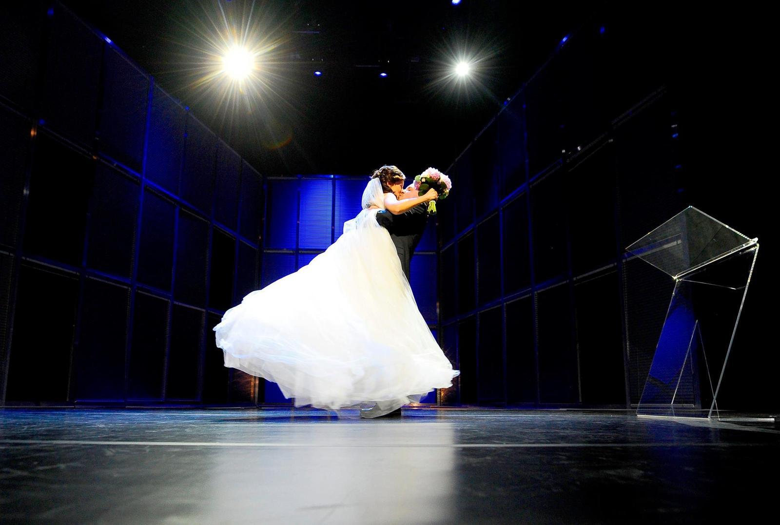 """Divadelný sen M{{_AND_}}M - Prvýkrát, čo ma vzal do náručia. Po našom """"ÁNO"""""""