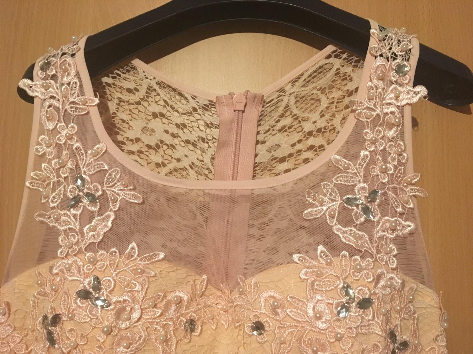 Čipkovane dlhé šaty  - Obrázok č. 1