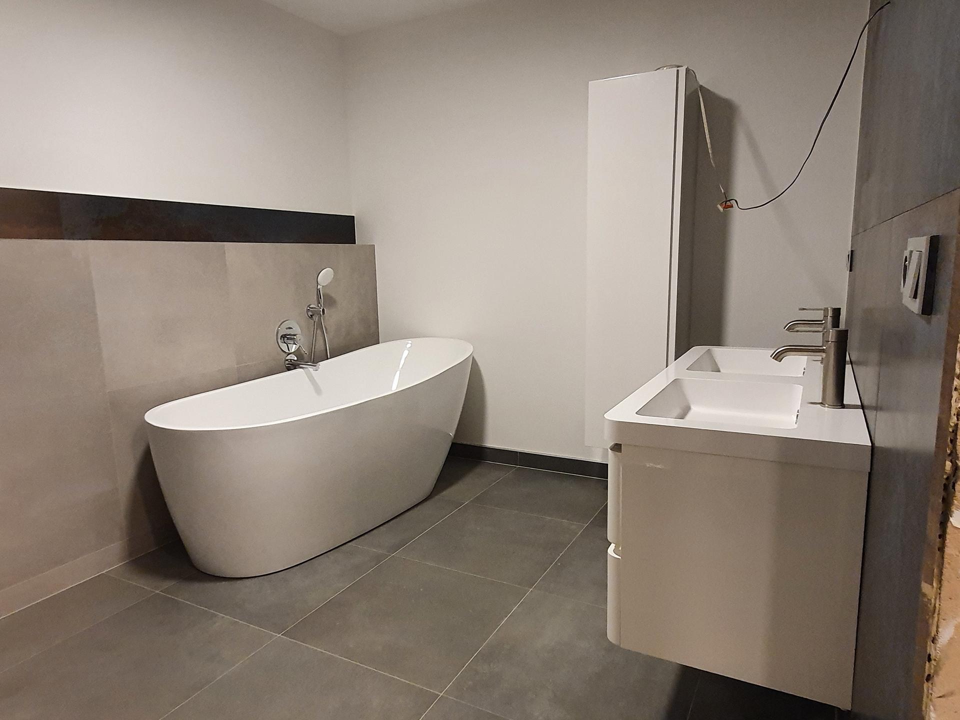 Pasivní domeček - Horni koupelna skoro hotová