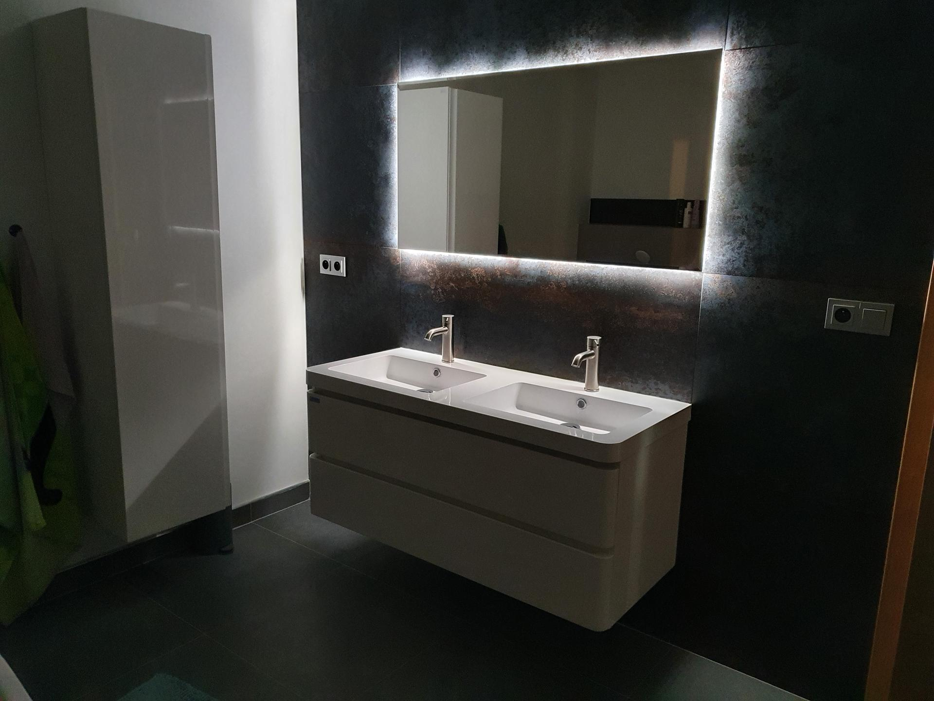 Pasivní domeček - Noční osvětlení koupelny, které se spíná na pohybové čidlo:)