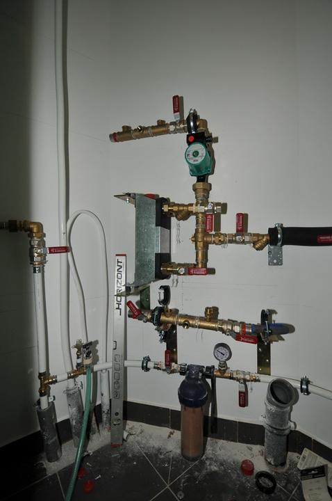 Umiestnenie výmenika v primáry TČ na pasivne stropné chladenie