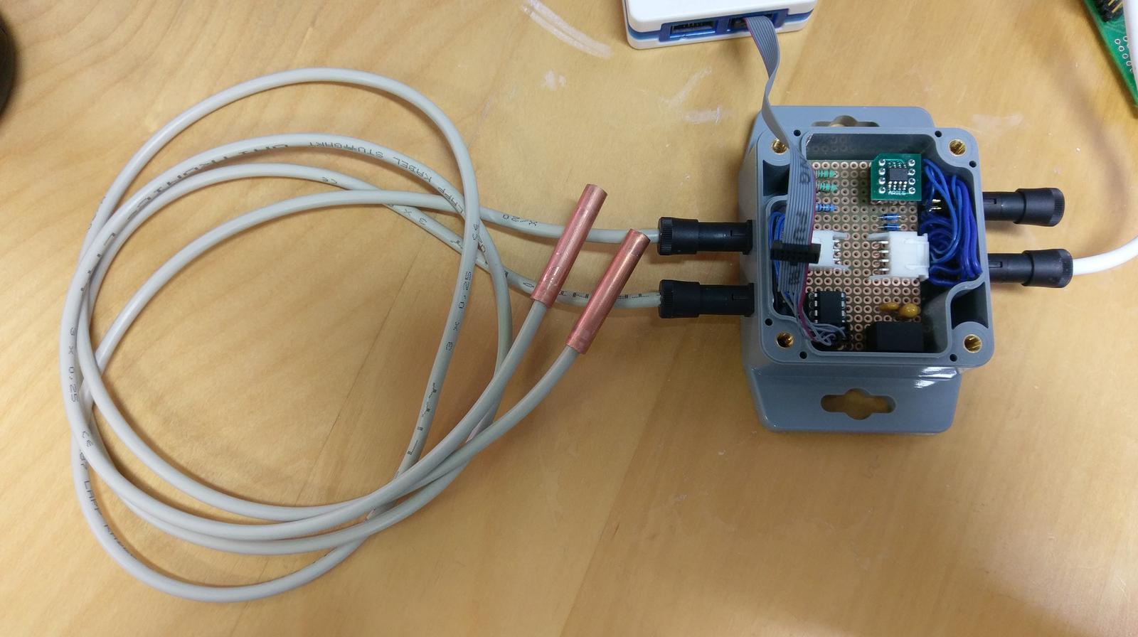 LogomatIQ - modul na meranie teploty, zatial na 2 cidla ->prototyp