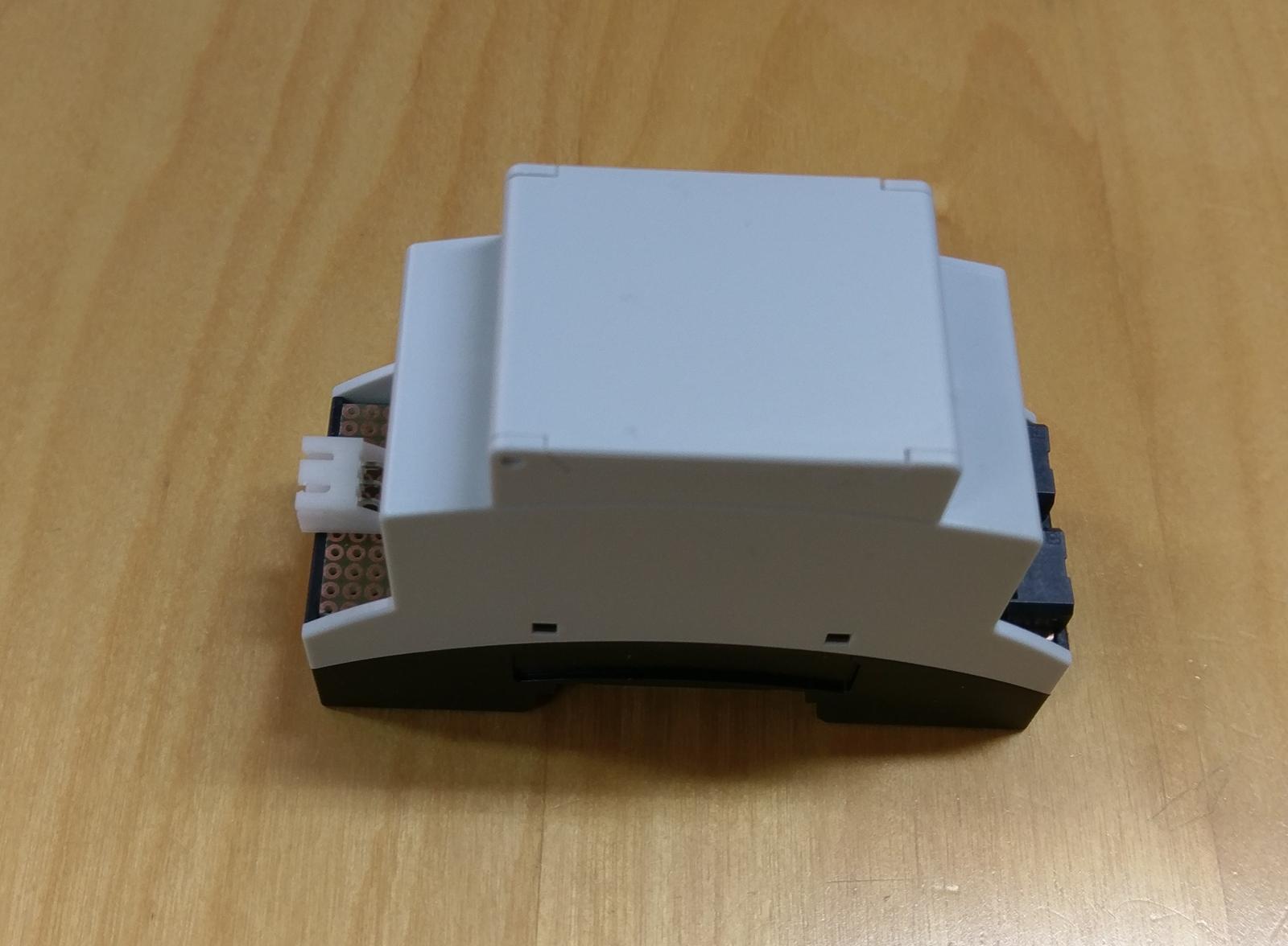 LogomatIQ - Modul pojde k elektromeru na DIN listu