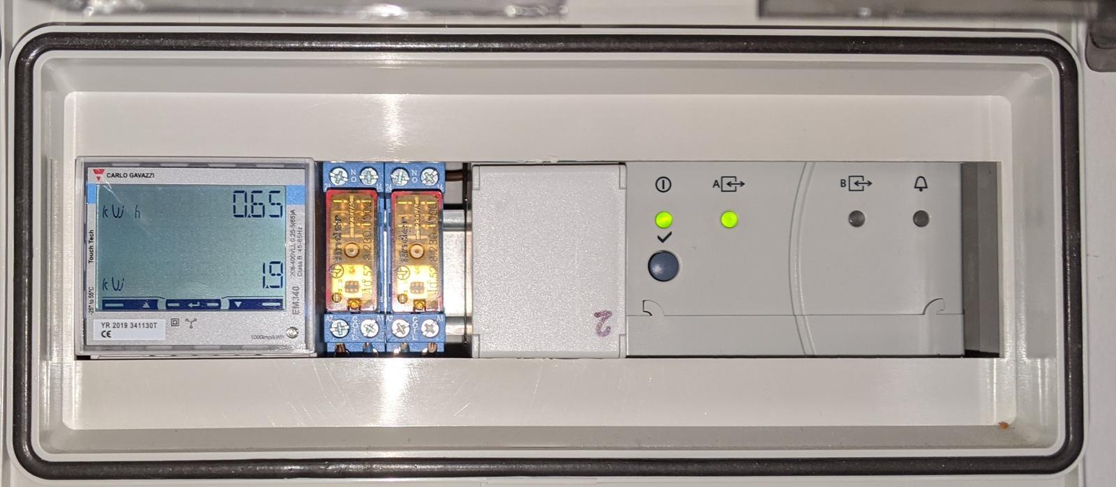 LogomatIQ - Kedže mi odišiel už druhý elektromer finder, vymenil som ho za EM340 od CARLO GAVAZZI