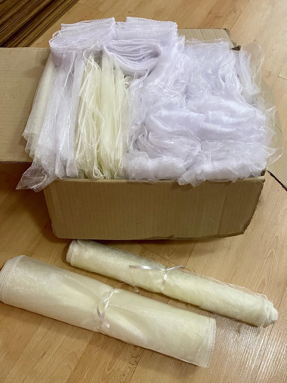 Organzy - bílé a krémové - Obrázek č. 1