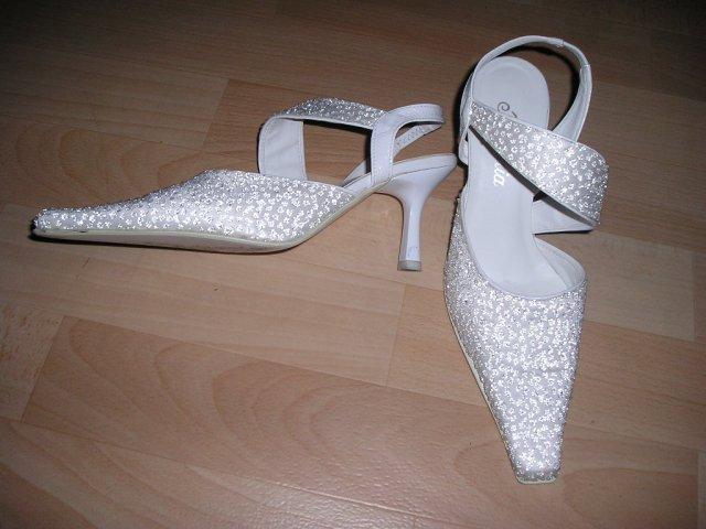 Moje predstavy - takéto topánky som mala mať, požičané od kamošky, ale sú mi o číslo vačšie, fňuk ...