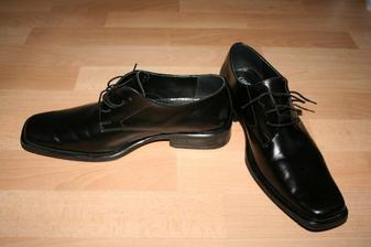 a ženíchove topánky