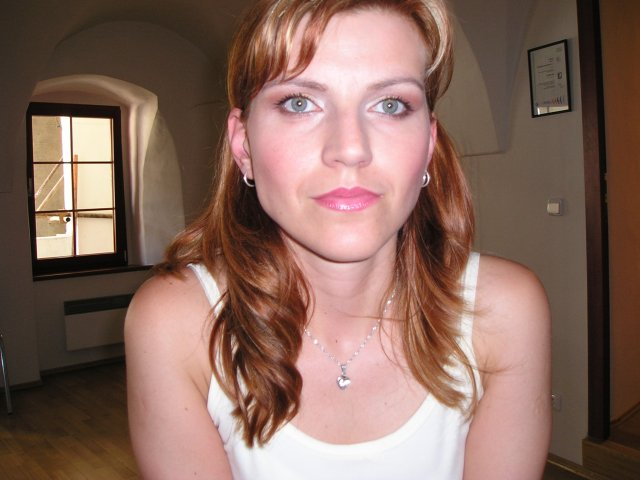 Moje predstavy - tak mám pocit, že tento make-up vyhral, vyzerám tu sviežejšie a mladšie ... čo poviete?