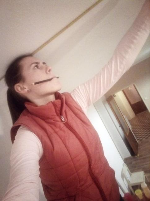 Sen o kuchyni... - Když měříš 160 cm a máš si na stropě nakreslit, kde chceš světlo :D
