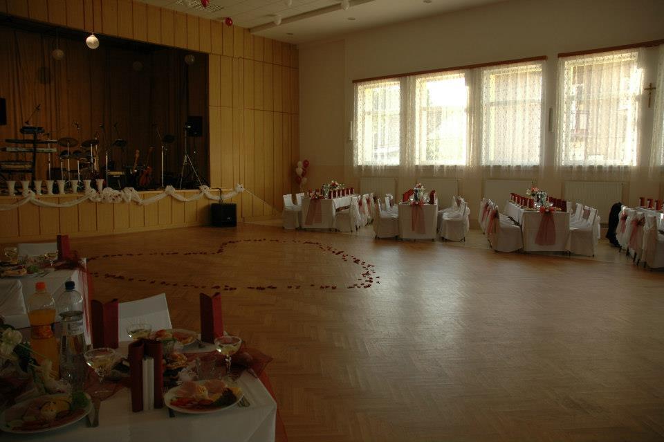 Svadobné prípravy  :) - tu bude prebiehat zabava :)