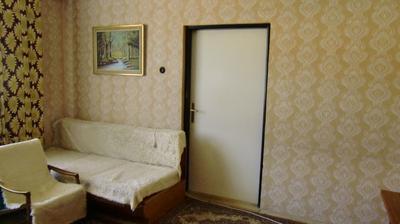 Vstup do druhej prednej izby....priečka sa zbúra a bude tu jedna veľká obývačka