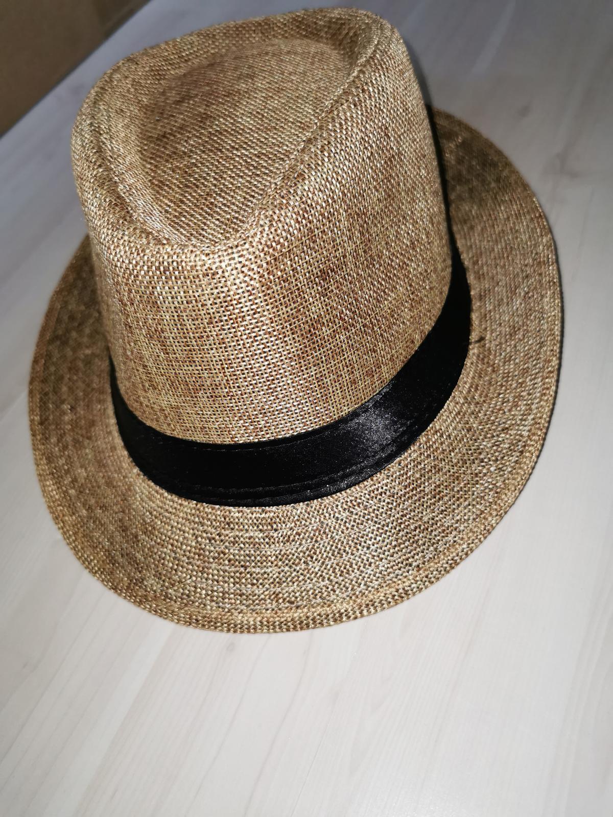 Klobúky na klobúkový tanec - Obrázok č. 1