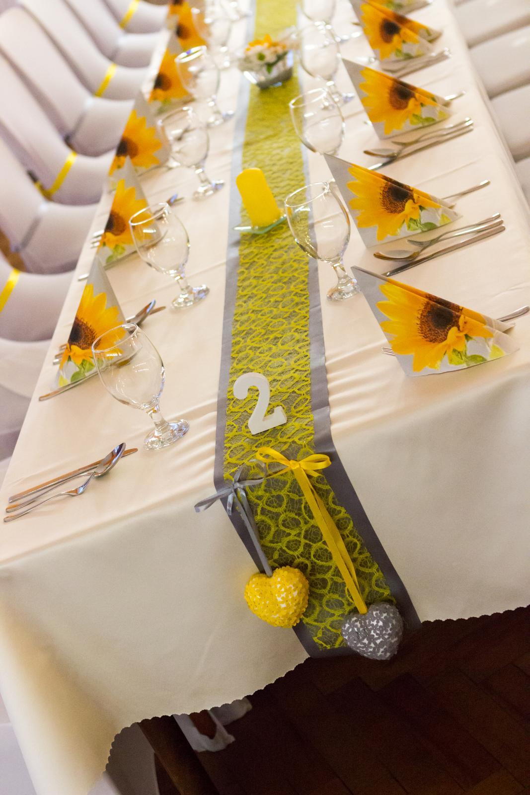 sivý satén a žltá čipka - Obrázok č. 3