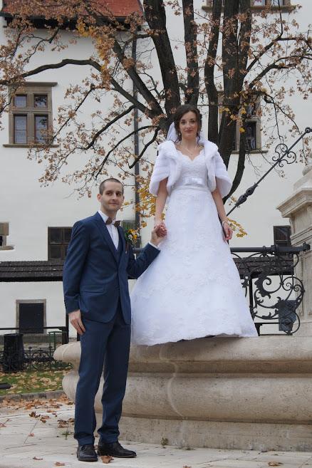 Svadobné šaty PRONOVIAS čipkované - Obrázok č. 3