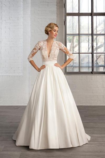 0ccc4f1c874a Šaty na Jižní Moravě - - Svatební šaty