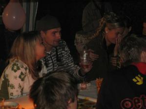 na párty se všichni super bavili :-)