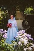 Saténové svadobné šaty s čipkovanými rukávmi, 36