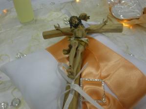 Náš krížik na, ktorý sme si prisahali