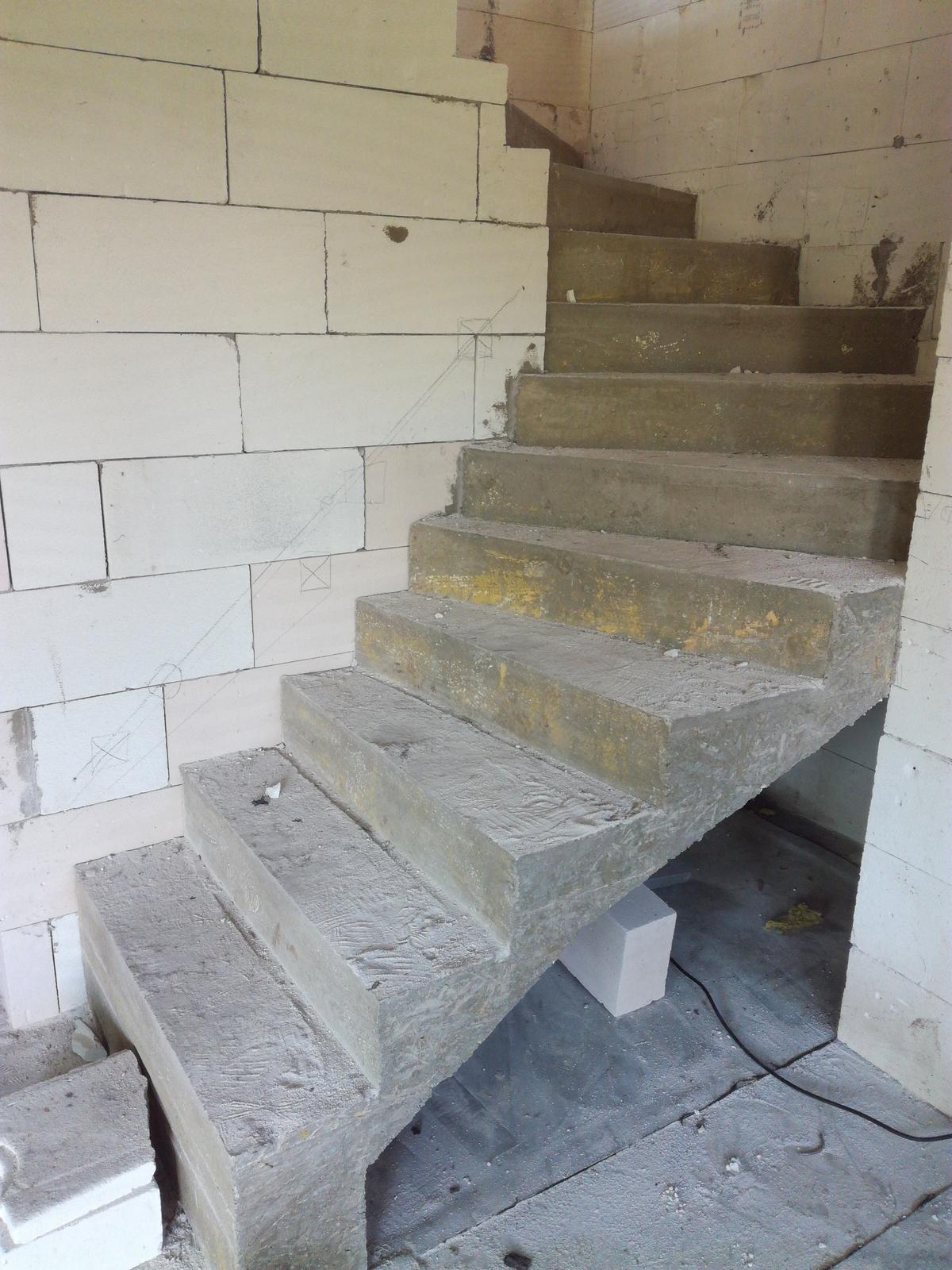 Chci osvětlit schodiště do... - Obrázek č. 1