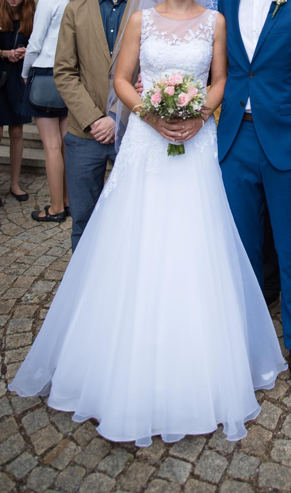 Svatební šaty (cca 36-40) korzetové s krajkou - Obrázek č. 1