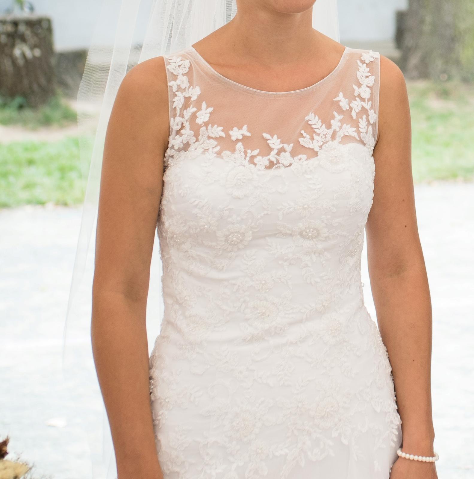 Svatební šaty (cca 36-40) korzetové s krajkou - Obrázek č. 2