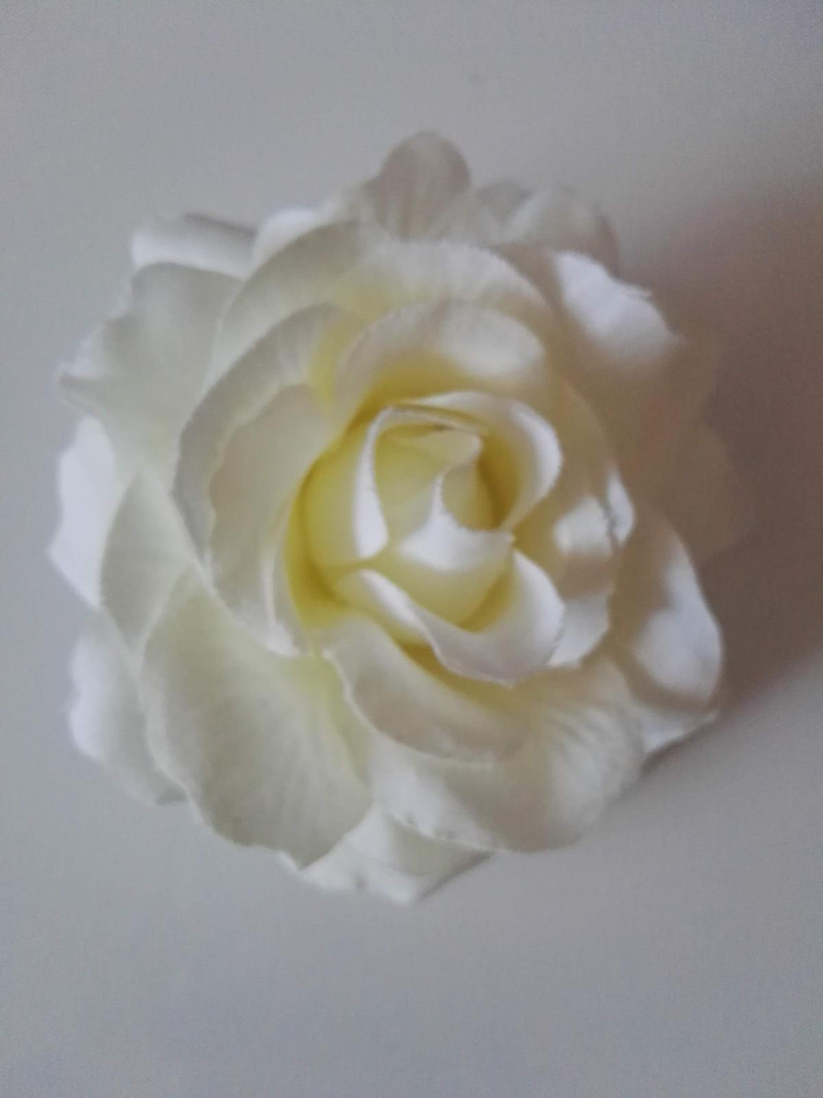 Umělá růže - Obrázek č. 1