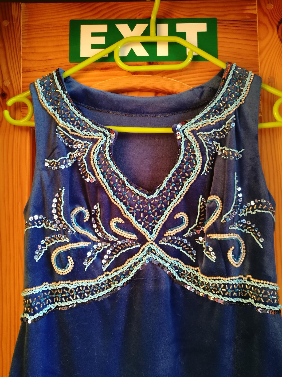 Originálne dlhé spoločenské šaty - Obrázok č. 4