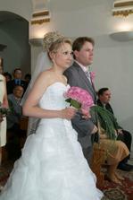 Ještě snoubenci v obřadní síni