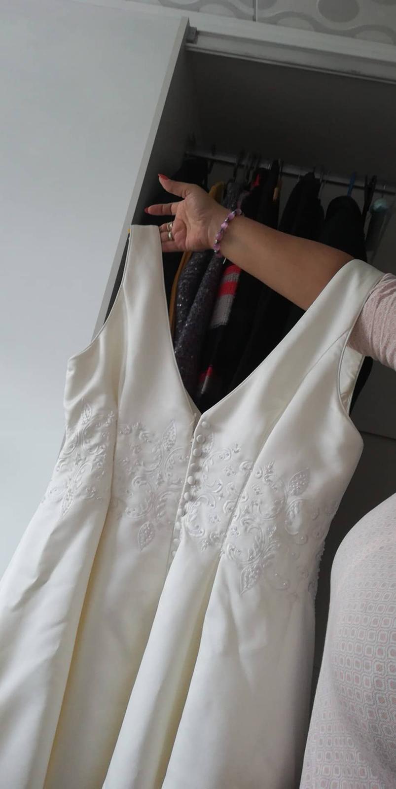 svadobné šaty 48 - Obrázok č. 1