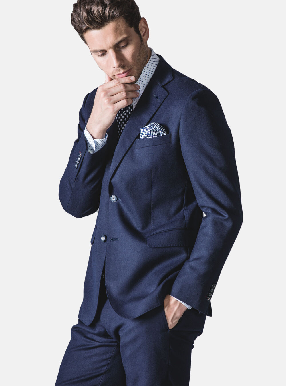 luxusný oblek novy veľkosť 52 - Obrázok č. 1