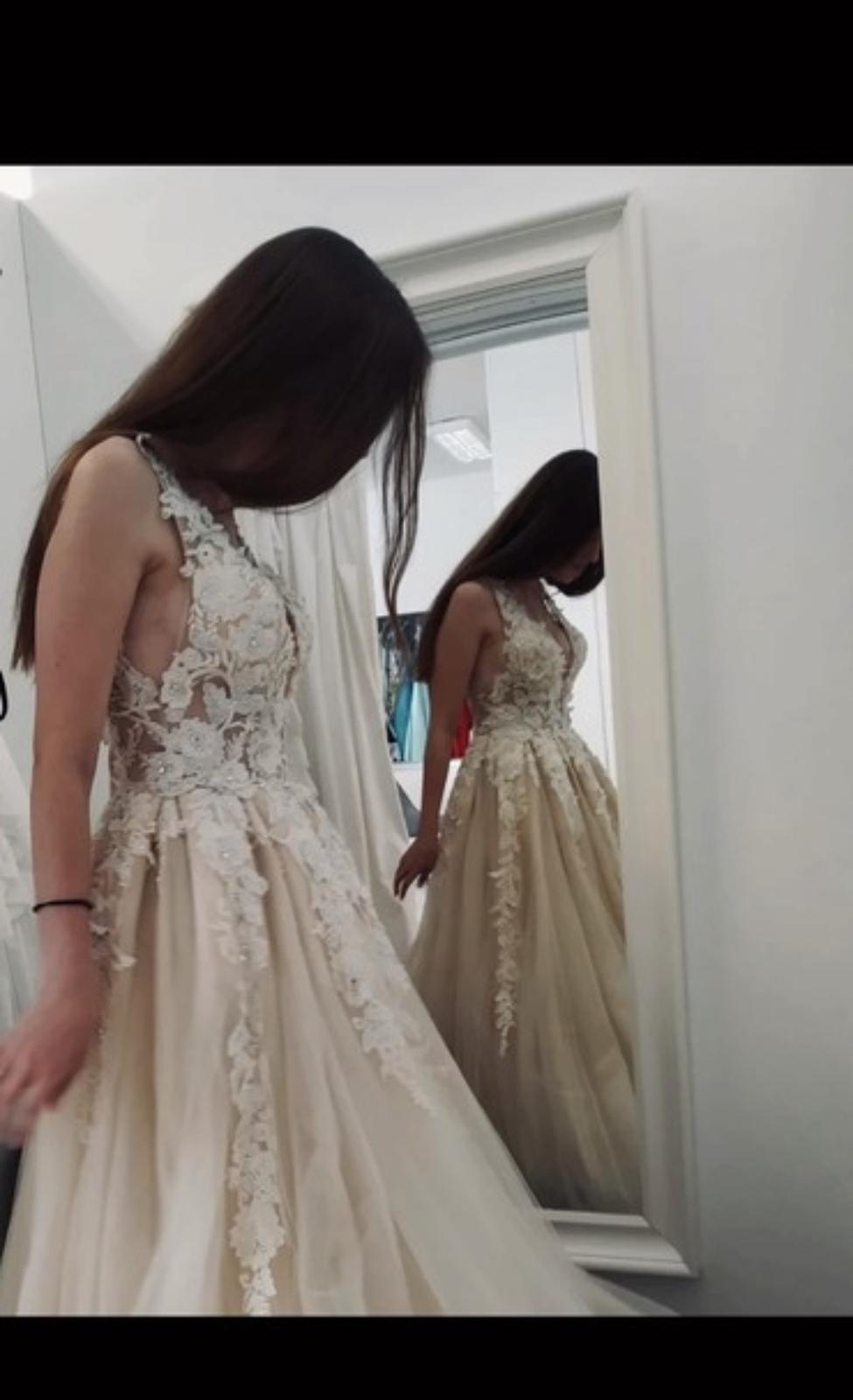 nádherné šaty - Obrázek č. 1