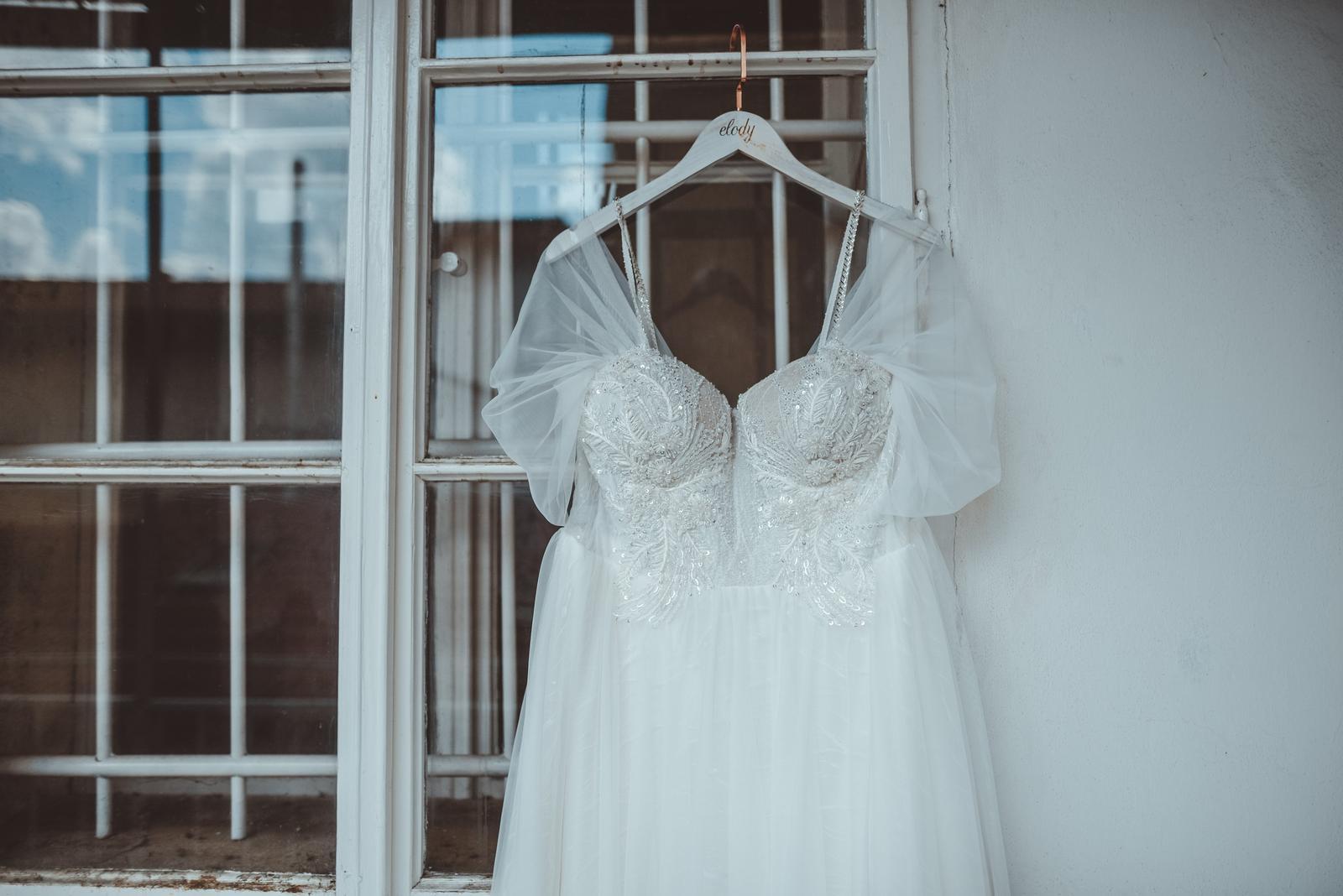 Šaty značky Elody - Obrázek č. 1