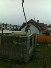Vylévání betonem..