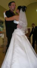 ...první manželský taneček jsme zvládli na jedničku...