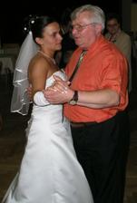 ...taneček s tatínkem...
