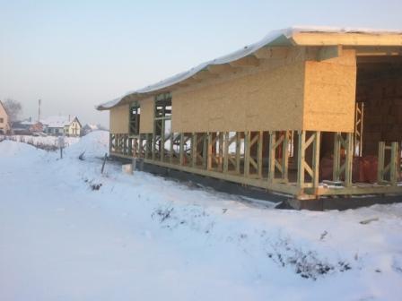 Náš dom :) - doložené dosky pod strechou