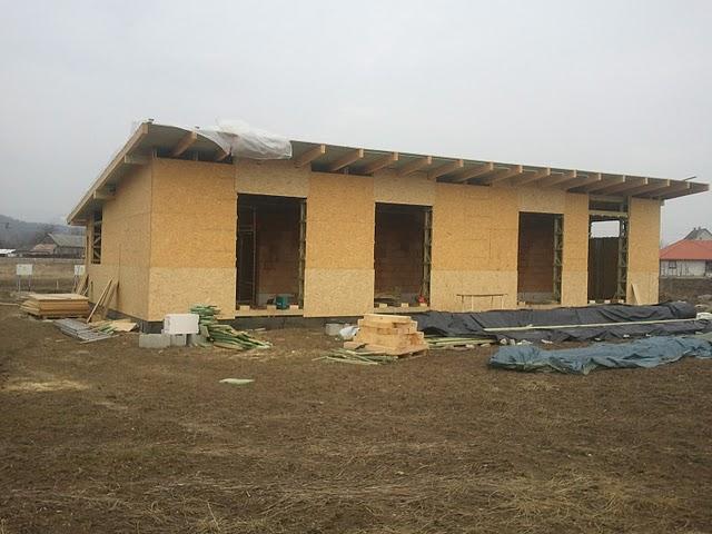 Náš dom :) - Vonkajšie opláštenie domu skoro skoro hotové :)