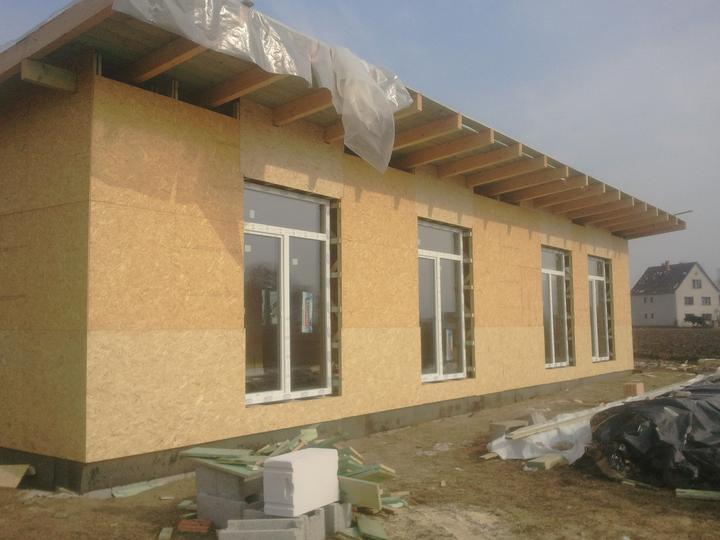 Náš dom :) - osadené okná