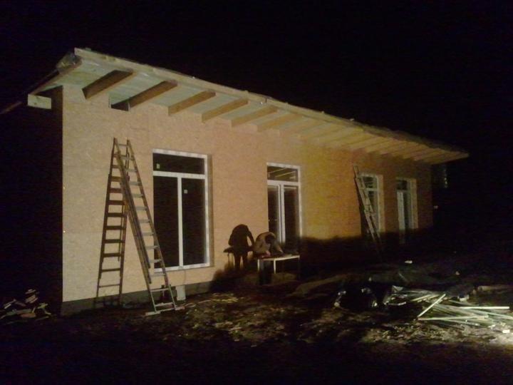 Náš dom :) - v zime je rýchlo tma