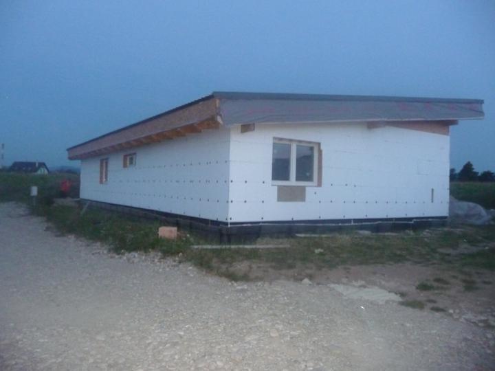 Náš dom :) - pohľad zo severozápadu