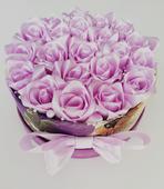 Kytica ruží v boxe ,