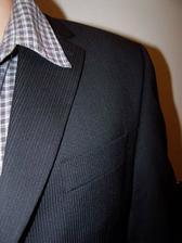 Detail obleku - bude jina kosile!