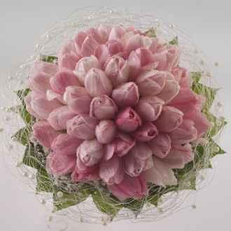 Každým dňom bližšie :) - tulipany su krasne no pocas svadby by vo vode uplne rozkvitli
