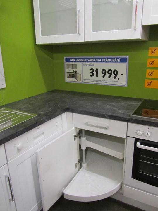Kuchyň - inspirace a realita - Podle mě perfektní řešení rohové skříňky...