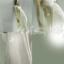 ..a nebo něco ze salonu - i tam se dají vybrat šaty, aby vypadaly jako z Roklinky...