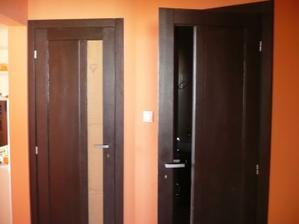 naše dvere na wcko a na kupelni :)...vyrobil ich moj šikovny svokrik ...:)