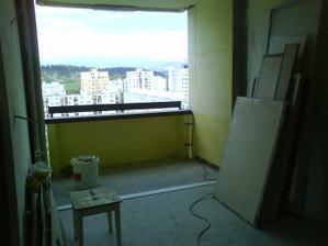 taak a kuchynske okno s balkonom su fuč :o)...ide sa nanovo murovať na nové okienka :o)))))))