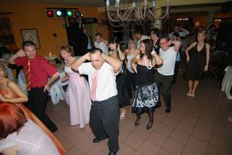 a uz sa tancovalo.....