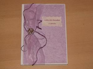 Dnes jsem vyrobila naši knihu hostů :-)